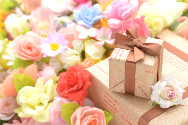 Floral Themed Gifts Can Fit into Your Christmas List